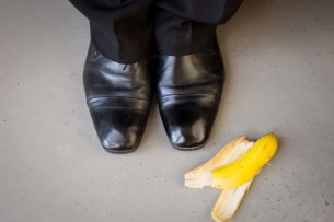 final-banana-shoe-shine_nbfbmk
